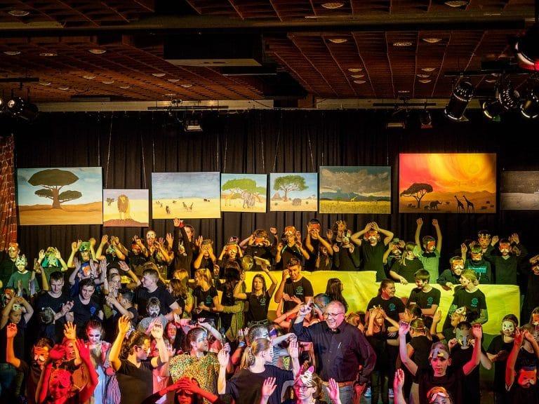Das Musical: Licht, Tanz, Schauspiel, Gesang und eine stolze 5er-Stufe