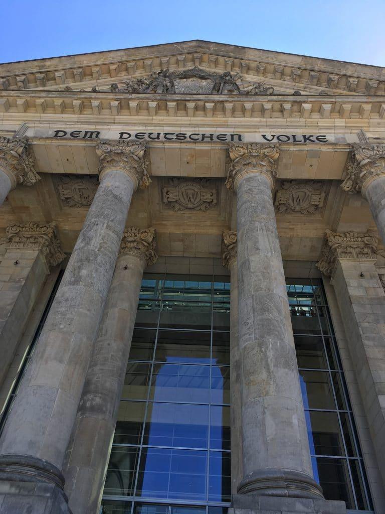 Besuch einer Generaldebatte im Deutschen Bundestag